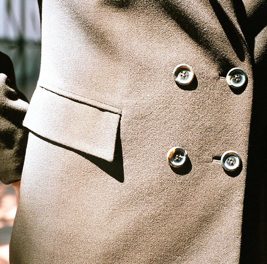 Konni Lach-massgeschneiderter-Damen-Anzug